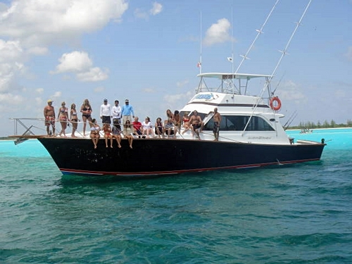 Cozumel private luxury snorkel and fishing yacht charter for Cozumel fishing charters